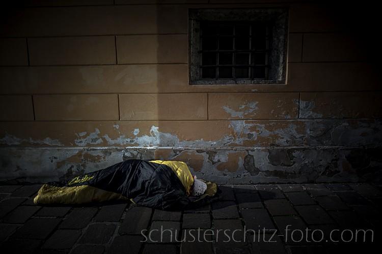 Mein Beitrag zu einer Kampagne für Obdachlose, die gesetzlich von vielen Plätzen der Stadt Innsbruck verbannt werden sollen.
