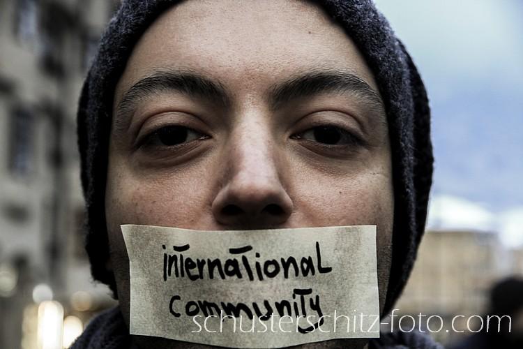 Yamen aus Syrien bei einer Demonstration in Innsbruck
